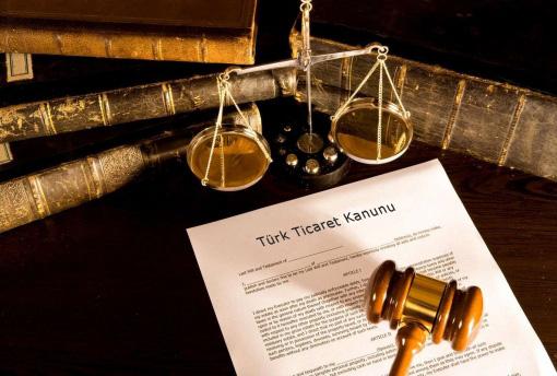 ticaret hukuku arti adalet